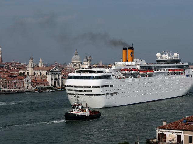 Sulle grandi navi a Venezia il governo ha trovato una soluzione?