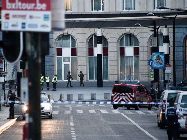 Sventato attentato a Bruxelles, neutralizzato kamikaze
