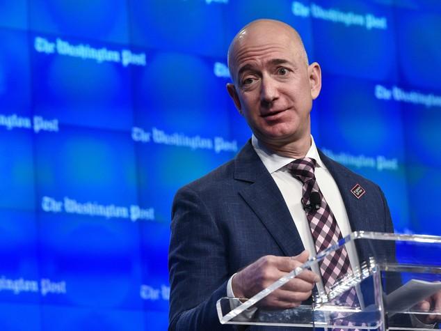 Jeff Bezos ha superato Gates: è lui oggi l'uomo più ricco del mondo