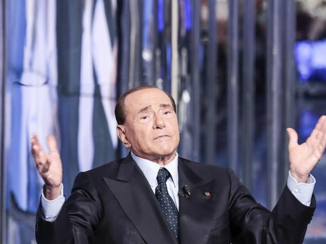 Ius Soli: il no di Berlusconi. Poi l'ex premier bacchetta il Pd