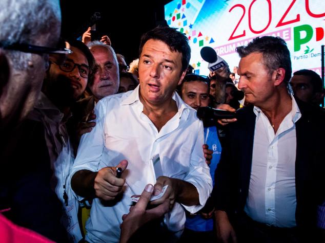 Cosa è successo con il post di Renzi rimosso da Facebook