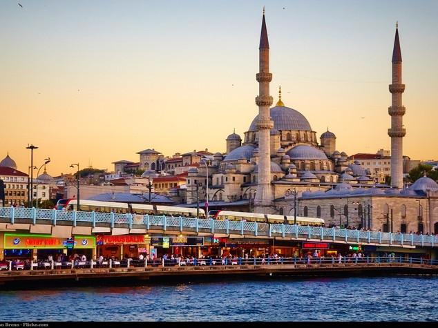 Sorpresa, in Europa non arrivano più turisti extracomunitari