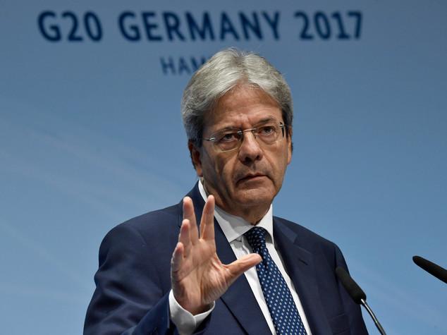 Lo Ius soli non è più in agenda, Gentiloni rimanda la discussione a settembre