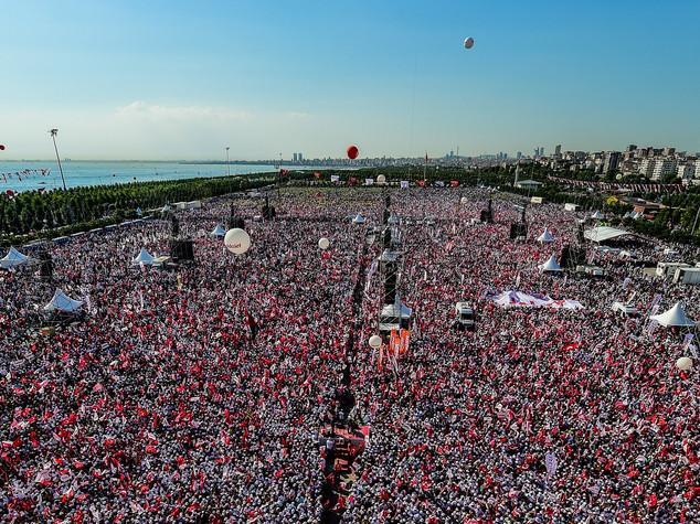 A un anno dal tentato golpe la Turchia è spaccata in due
