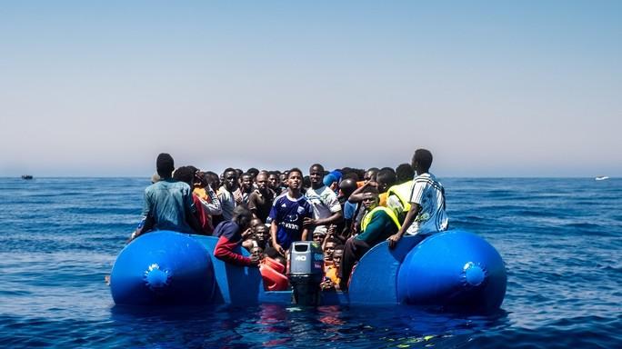 Il business dei migranti vale 400 milioni l'anno