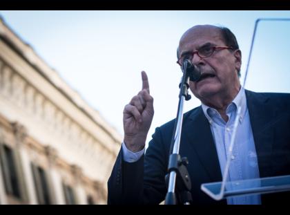 """""""Il maiale è tutto di prosciutti"""" ha detto Bersani, parlando di debito pubblico"""