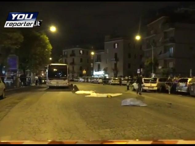Auto piomba sulla folla a Roma Caccia a 2 rom, uno minorenne