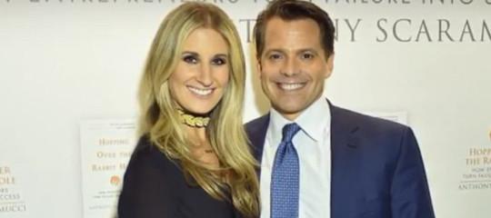 La moglie di Scaramucci chiede il divorzio perché non sopporta Trump