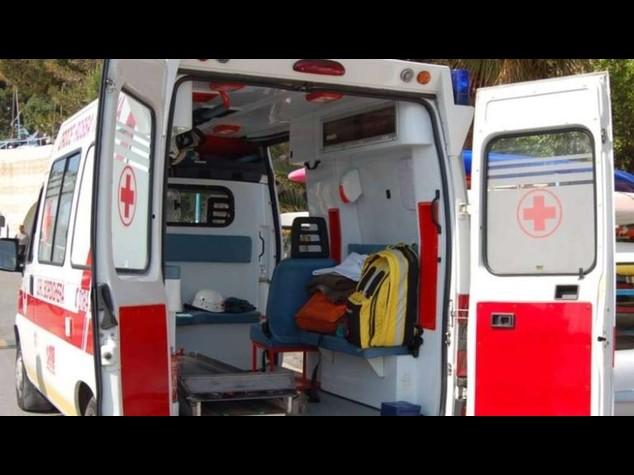 Tragedia a Cosenza, bimbo di 4 anni muore in piscina