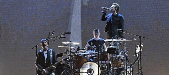 Se Bono e The Edge durante un concerto si fermano per parlare di Europa