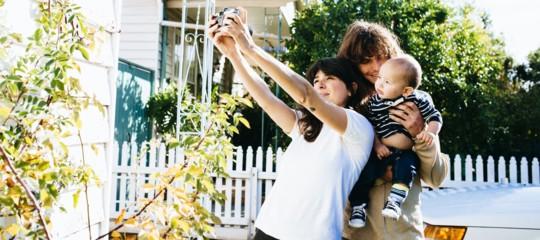 Se proprio volete mettere le foto dei vostri bimbi sui social almeno seguite questi consigli