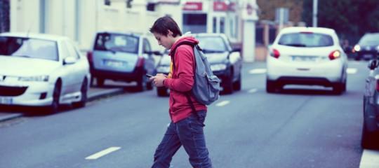 Così l'uso continuo dello smartphone sta rovinando i ragazzi americani