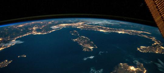 Paolo Nespoli twitta una foto dallo spazio. E questa volta dell'Italia