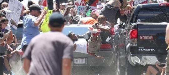 Cosa è successo al corteo dei 'suprematisti bianchi' di Charlottesville (3 morti)