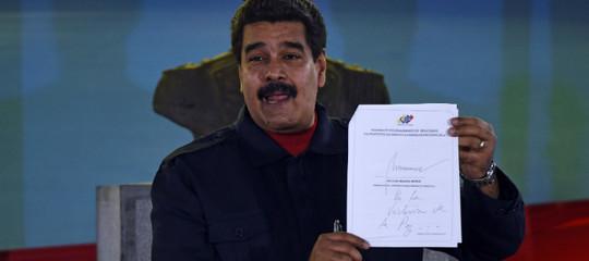 Nicolas Maduro non si piega e non si spezza, lo dice la sua grafia