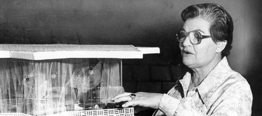 Chi era la donna che inventò il modo di liberare le donne dalle pulizie di casa