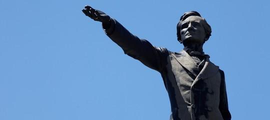 Le reazioni dei discendenti del generale Lee dopo la rimozione delle sue statue