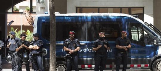 Come una delle polizie più antiche d'Europa è finita sotto accusa per tradimento
