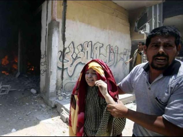 Domenica di sangue a Gaza  In un giorno 100 morti