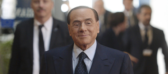 Euro: Commissione Ue boccia proposta Berlusconi, no a moneta parallela