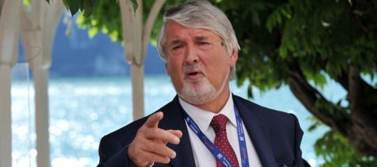 La strategia di Poletti per il lavoro, bonus giovani e clausola antilicenziamento