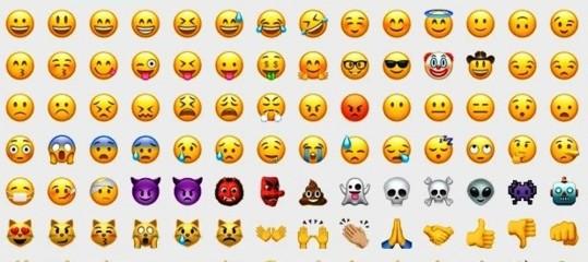 Usare le emoji nelle chat di lavoro ci fa sembrare incompetenti. Lo dice uno studio