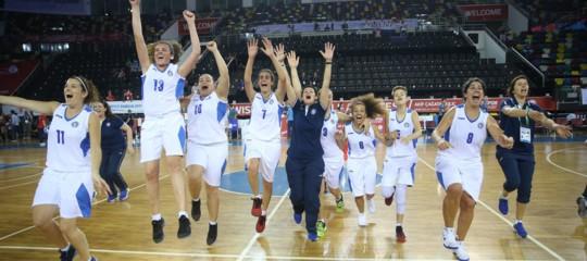 Europei, l'unica possibilità per gli azzurri del basket è giocare come... le azzurre