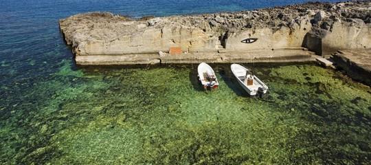 Cadavere di un'anziana scoperto su scogliera costa del Salento