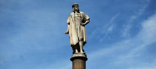 """""""Colombo simbolo razzista"""", perché la guerra delle statue colpisce l'esploratore"""