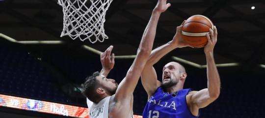 Primo stop dell'Italia all'Europeo di Basket. Ma la sconfitta con la Lituania non fa male