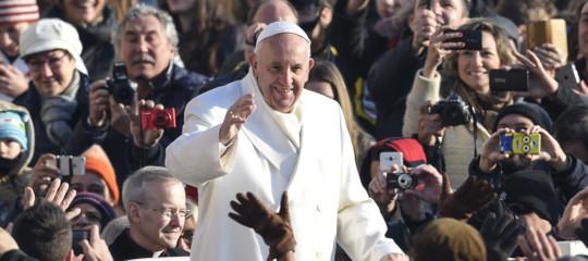 Papa: la Colombia ha bisogno di tutti, basta violenza armata