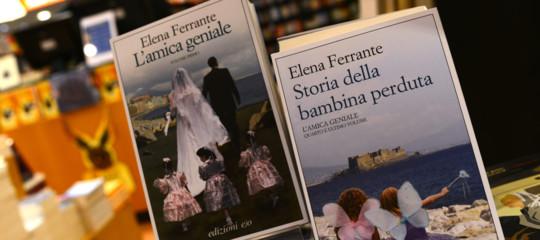 """""""Elena Ferrante è Domenico Starnone"""". Uno studio sugli elementi lessicali ricorrenti"""