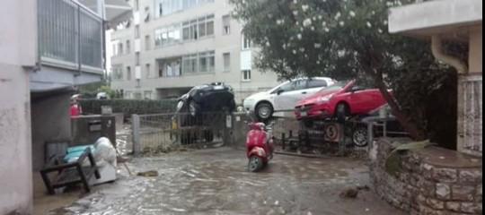 Nubifragi a Livorno e Roma, il maltempo flagella mezza Italia
