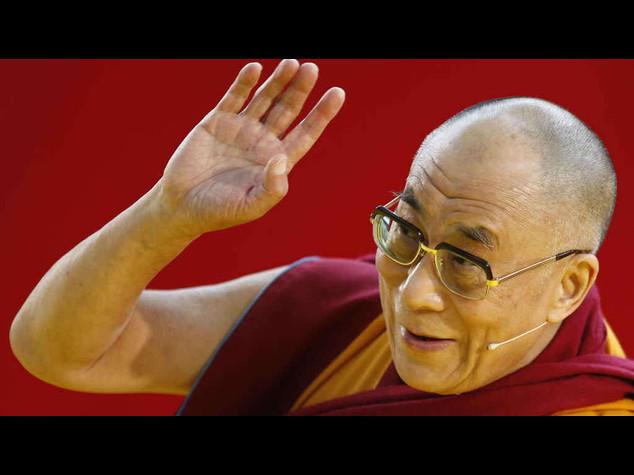 """Il Papa: """"stima per il Dalai Lama ma non lo incontro"""""""