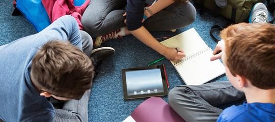 Lo smartphone potrà entrare in classe durante le lezioni con delle regole