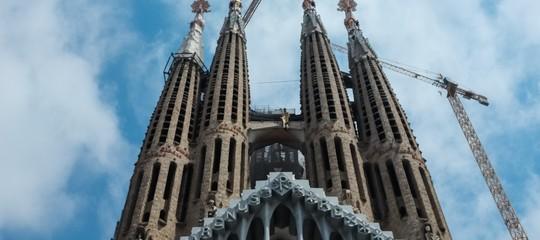 Barcellona: veicolo sospetto, si tratta di un falso allarme