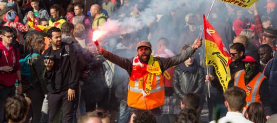 Perché la riforma del lavoro di Macron ha scatenato le violenze di piazza