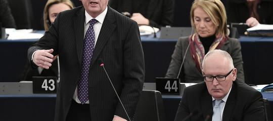 Ue: Juncker, serve ministro Economia e Finanze per eurozona