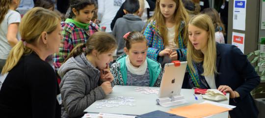 Nelle classi dove lo smartphone è bandito il rendimento aumenta, una ricerca