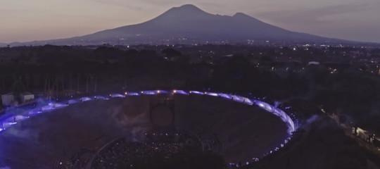 David Gilmour torna a Pompei un anno dopo. Ma solo al cinema