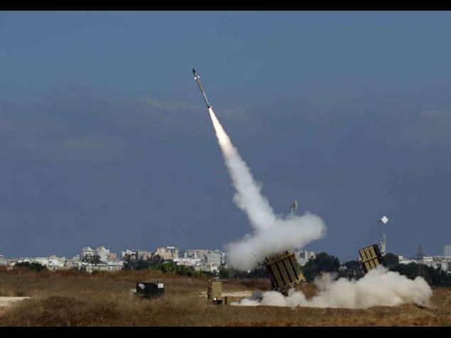 "Hamas, razzo rompe tregua. Netanyahu, ""aumentiamo offensiva"""