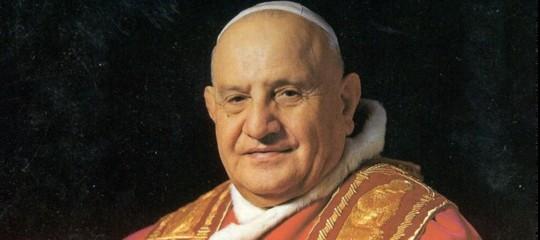 Togliete quell'elmetto dalla testa di Papa Giovanni, vi prego