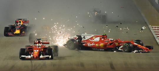 F1: incidente al primo giro, le Ferrari fuori da GpSingapore