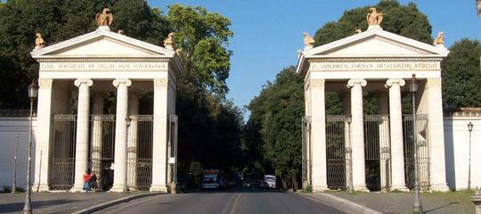 Cosa ha raccontato alla Polizia la donna tedesca stuprata a Villa Borghese