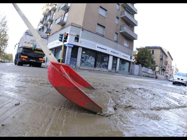 Maltempo: Lombardia chiede stato emergenza, 4 morti 650 evacuati - Video