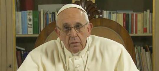 Pedofilia: Papa, la Chiesa ha affrontato i crimini in ritardo