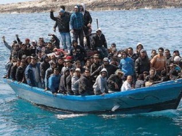 """Immigrati: Ue fa quadrato su agenda ma la Libia minaccia, """"pronti al fuoco"""""""