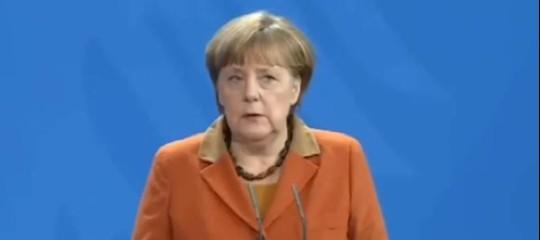 """Germania. Merkel: """"Governo stabile, colloqui conSchulzdevono continuare"""""""