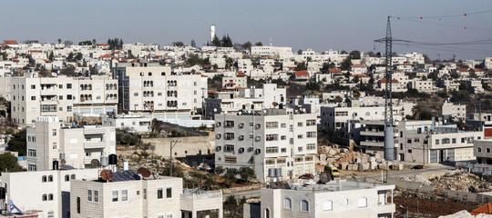 M.O.: palestinese uccide 3 israeliani in colonia della Cisgiordania