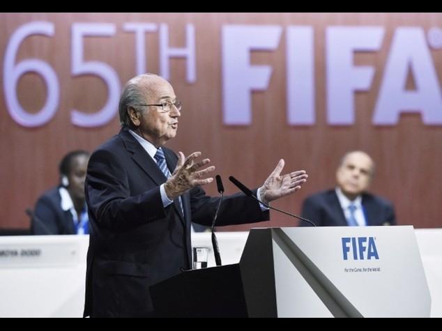 Fifa: Blatter rieletto presidente  Il principe Ali abbandona la corsa